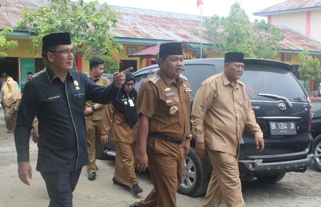 Kakankemenag dan Walikota Tanjungbalai Monitoring Pelaksanaan UNBK di MTsN Tanjungbalai