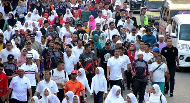 Ribuan Peserta Fun Walk Semarakkan Peringatan Isra Mikraj di Pematangsiantar