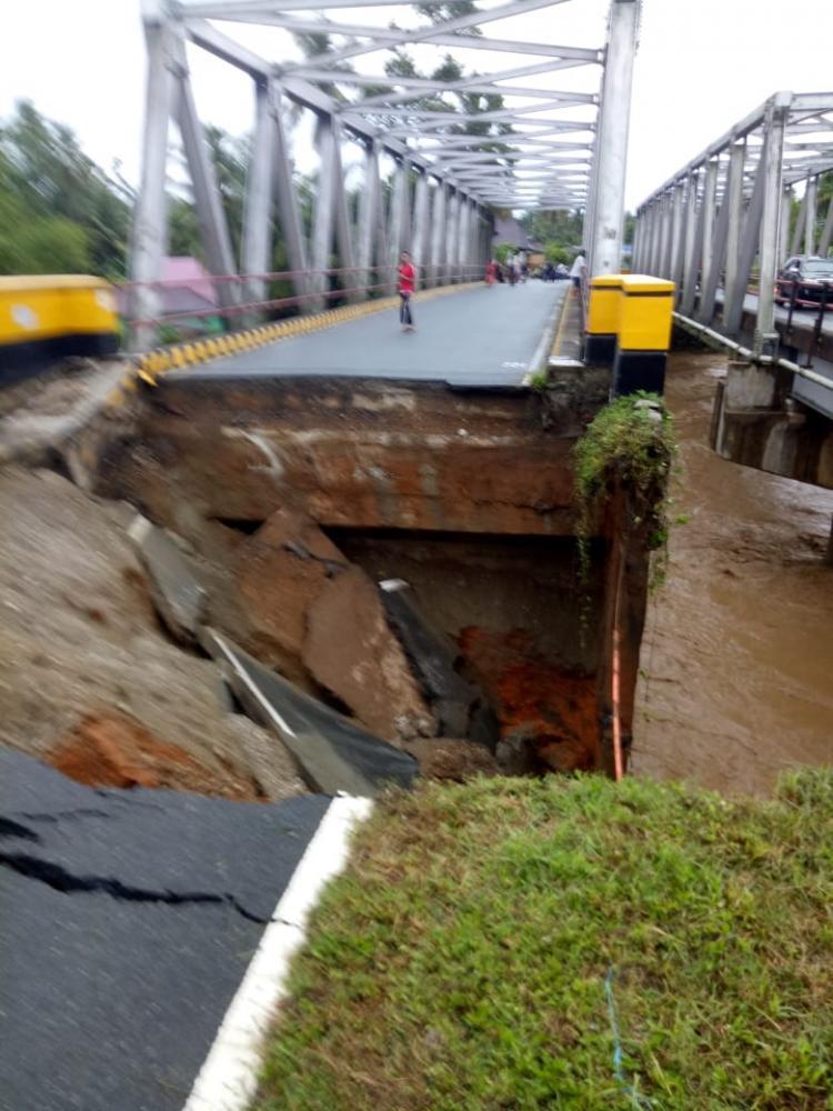 Dampak Banjir dan Longsor Meluas di Bengkulu, 10 Meninggal, 8 Hilang dan 12.000 Mengungsi
