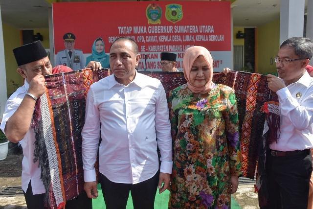 Gubsu Minta Kadis PU Sumut Segera Perbaiki Infrastruktur Jalan di Padang Lawas