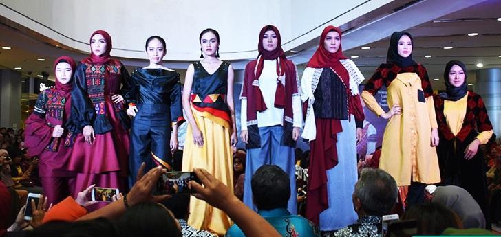 Karya Desain Busana dan Rias Mahasiswa Unimed Tampil Memukau di Plaza Medan Fair