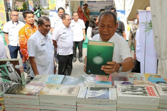 Walikota Medan Buka Lomba Minat Baca dan Pameran Buku dan IT