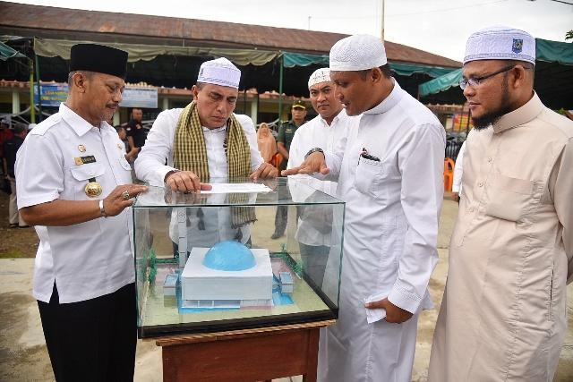 Silaturahmi ke Ponpes Al Mukhlishin, Gubsu Harapkan Kehadiran Pesantren Menjamur di Sumut