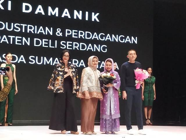 Tenunan Motif Deli Serdang Tampil di Indonesia Fashion Week 2019