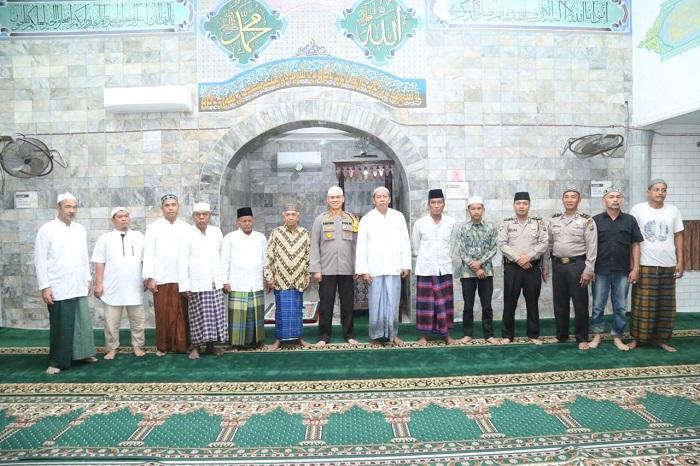 Subuh Berjamaah Bersama Kapolrestabes Medan: Personel Polri Harus Tebar Kebaikan