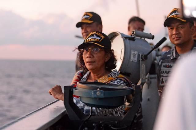 Turun Langsung ke Laut, Menteri Susi Hentikan 7 Kapal Berbendera Tiongkok