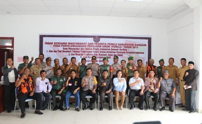 Pemkab Samosir Tandatangani Ikrar Bersama Masyarakat Peserta Pemilu 2019