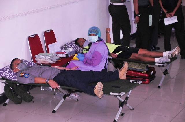 Korem 083/Baladhika Jaya Donorkan Darah, Bantu PMI Kekurangan Stok Darah di Bumi Arema