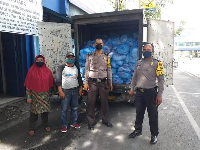 Kapolda Sumut Gulirkan 5.000 Paket Sembako untuk Buruh di Medan Baru