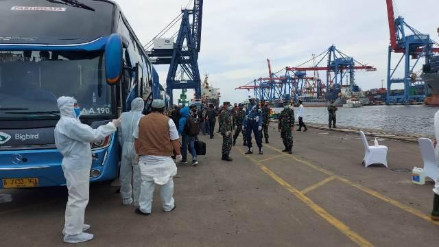 57 WNI ABK Kapal Pesiar MV Artania dari Australia Tiba di Jakarta