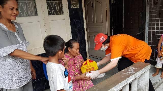 Yayasan Pelatihan Moralitas Budi Pekerti Gulirkan Bantuan Sembako untuk Warga Kota Medan