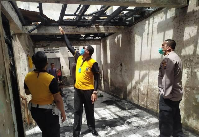 Polsek Medan Helvetia Lakukan Bedah Rumah Korban Kebakaran