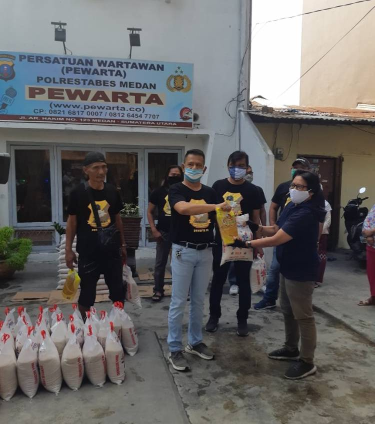 Ketua Pewarta Polrestabes Medan Kembali Bagikan Sembako untuk Wartawan dan Masyarakat