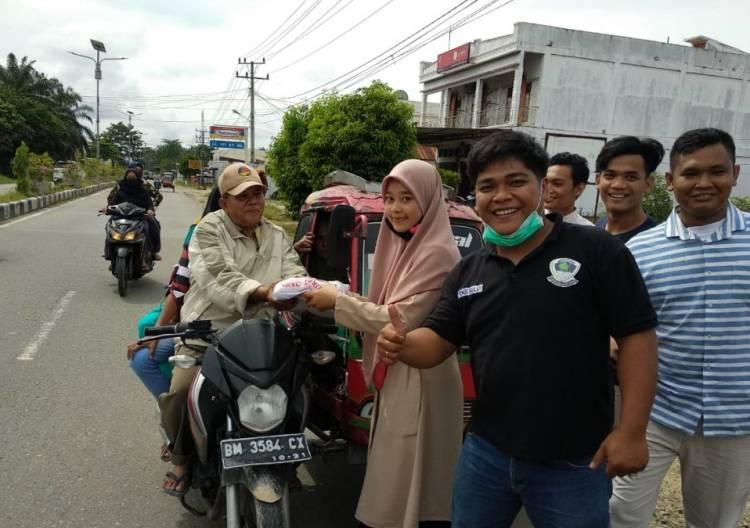 Pemuda Perantauan Padang Lawas Bagikan 500 Kg Beras