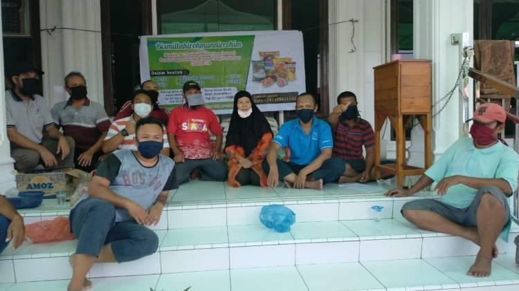 BKM At Taubah Helvetia Bantu Sembako Masyarakat Terdampak Covid-19