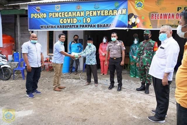 Cegah Covid-19, Pemkab Pakpak Bharat Serahkan Bantuan APD di Posko Perbatasan