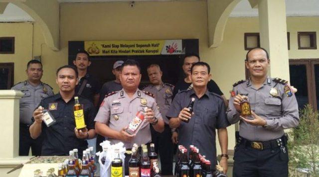 Sambut Ramadhan, Polsek Kota Kisaran Polres Asahan Sita Puluhan Botol Miras