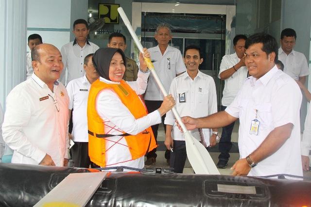 Pemprovsu dapat Hibah 3 Perahu Karet dari BWS Sumatera II