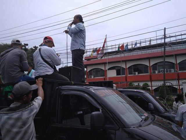 Di Depan Gedung KPU Sumut, Koalisi Masyarakat Cinta NKRI dan Amin Desak TNI-Polri Tangkap Pelaku Makar