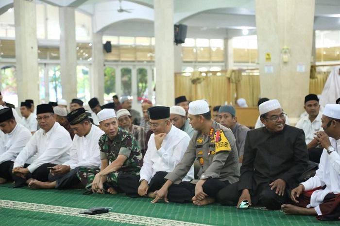 Ini Pesan Kapolrestabes Medan, Usai Sholat Tasbih di Mesjid AlJihad