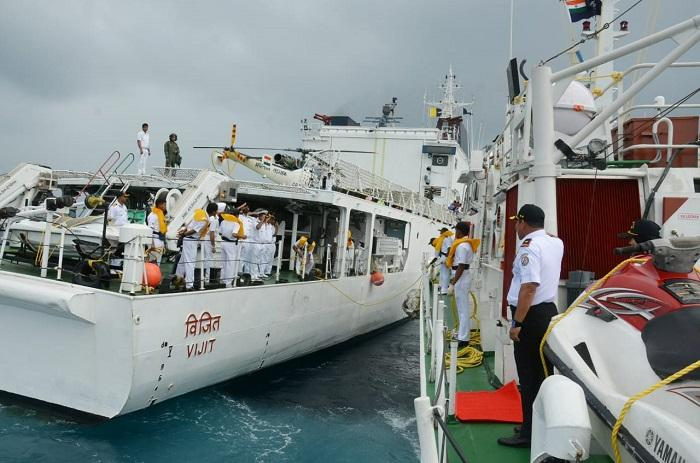 KN Tanjung Datu 301 Passing Exercise dengan Kapal Indian Coast Guard