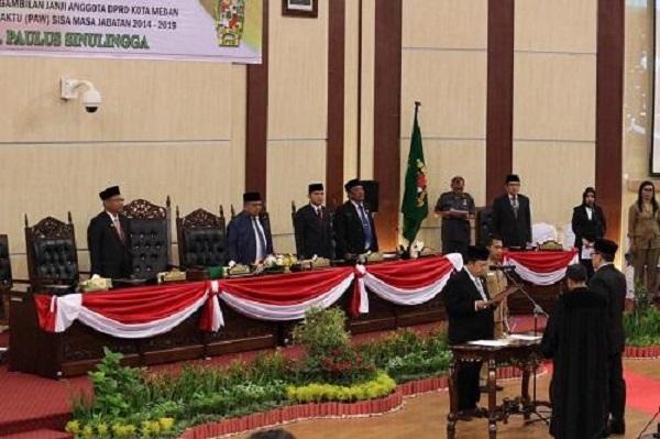 Gantikan Bangkit Sitepu di DPRD Medan, Wali Kota Medan Harapkan Paulus Sinulingga Jalankan Tugas dengan Optimal