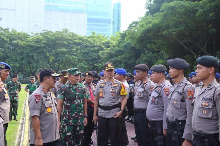 Kapolrestabes Medan dan Dandim 0201/BS Pimpin Apel Gabungan Patroli Skala Besar