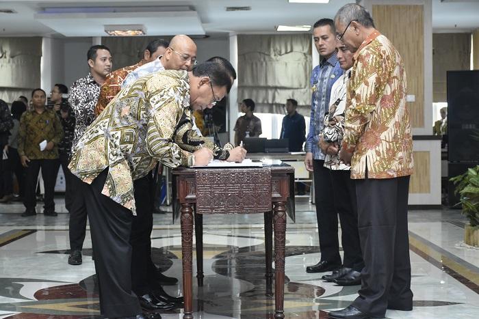 Bupati Deli Serdang Teken MoU Pemkab, BPN dan PT Bank Sumut Dihadapan KPK RI