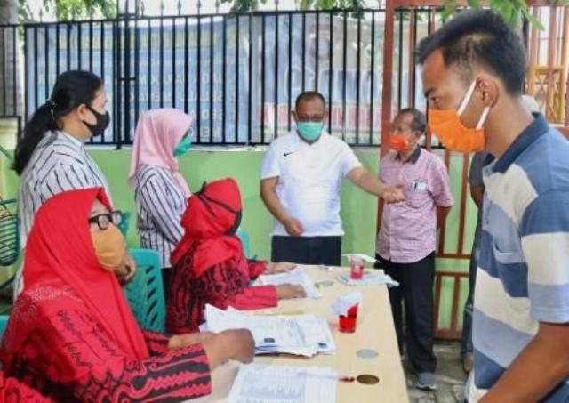 Pantau Penyaluran Bansos, Plt Wali Kota Medan Pastikan Bantuan Sampai ke Masyarakat