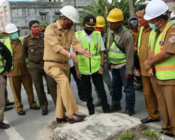 Penanganan Covid-19, Biaya Pelebaran Jalan di Kota Siborong-borong Dipangkas 50 Persen