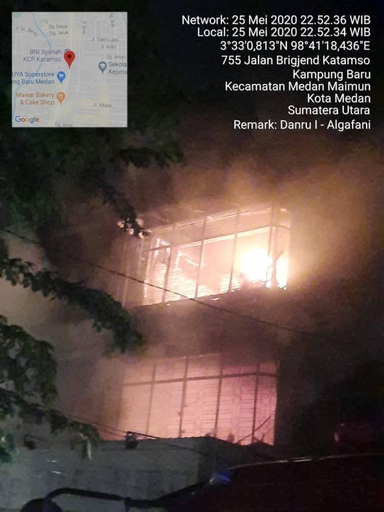Toko Serba Lima Ribu Kampung Baru Ludes Terbakar