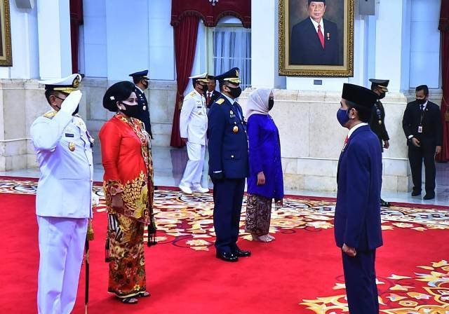 Presiden Resmi Melantik KSAL dan KSAU di Istana Negara
