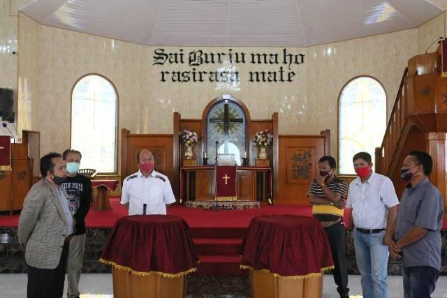 Bupati Taput Tinjau Kesiapan Gereja HKBP Pearaja-Tarutung Jelang New Normal