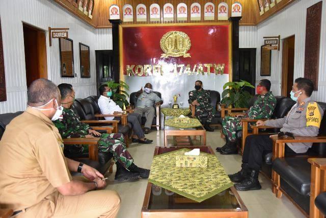 Danrem 174/ATW Bangun Nawoko Terima Kunjungan Bupati Merauke