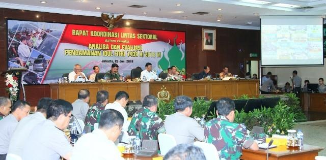 Ikuti Rapat Koordinasi Lintas Sektoral, Panglima TNI Bantu Kemenhub Tertibkan Aturan di Danau Toba