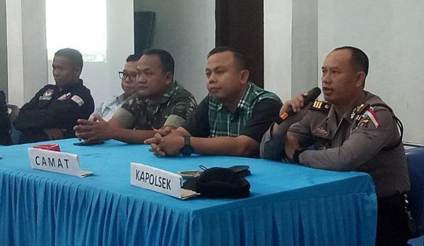 Kapolsek Kutalimbaru Pimpin Pengamanan Rekapitulasi Suara Tingkat Kecamatan