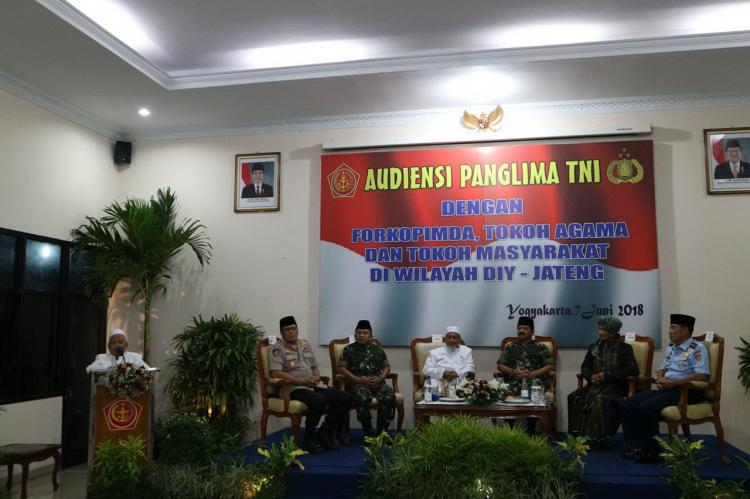 Panglima TNI Silaturahmi dengan Forkopimda dan Tokoh Agama