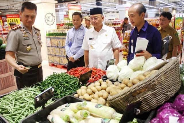 Temukan Makanan Kadaluarsa di Transmart Plaza Medan Fair dan Berastagi Supermarket, Walikota Medan Berang