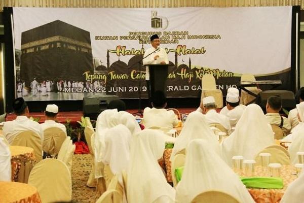 Wakil Wali Kota Medan Tepung Tawari Calon Jamaah Haji Kota Medan
