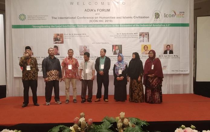 Dekan dan Dosen FAH UIN Ar-Raniry Ikut Konferensi Internasional di Bandung