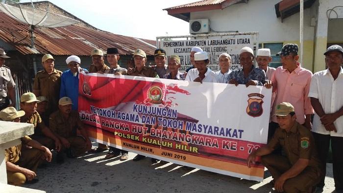 HUT Bhayangkara ke-73, Kapolsek Kualuh Hilir Silaturahmi ke Tanjung Leidong