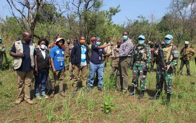Satgas TNI RDB Berhasil Damaikan Pertikaian 3 Suku Desa Kashege Kongo