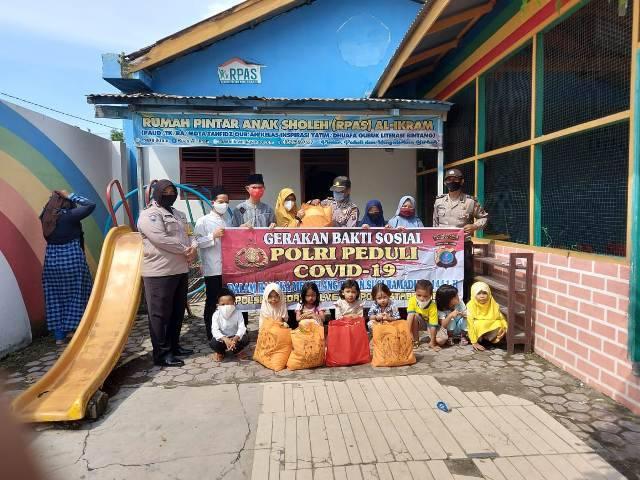 Polsek Helvetia Berikan Sembako untuk YP Tahfiz Al Qur'an Al Ikhram di Tanjung Gusta