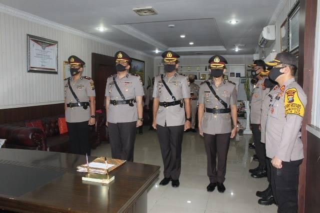 Kapolrestabes Medan Pimpin Upacara Sertijab Kasat Reskrim dan Kapolsek Medan Baru