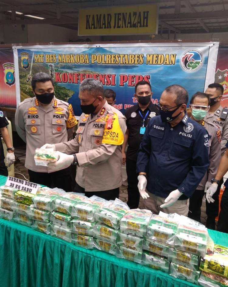 Kapolda Sumut Paparkan Keberhasilan Polrestabes Medan Bongkar Peredaran Sabu Total 35 Kilo dari Tanjung Balai