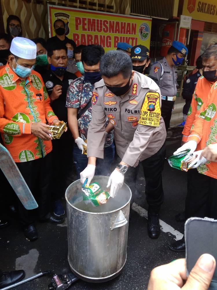Kapolrestabes Medan Rebus Sabu-sabu Senilai Rp 35 Miliar, Pemusnahan Tangkapan dari Tanjung Balai