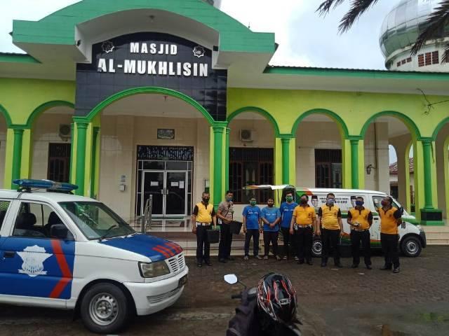 Polsek Medan Helvetia Bersihkan Rumah Ibadah Sambut Hari Bhayangkara ke-74
