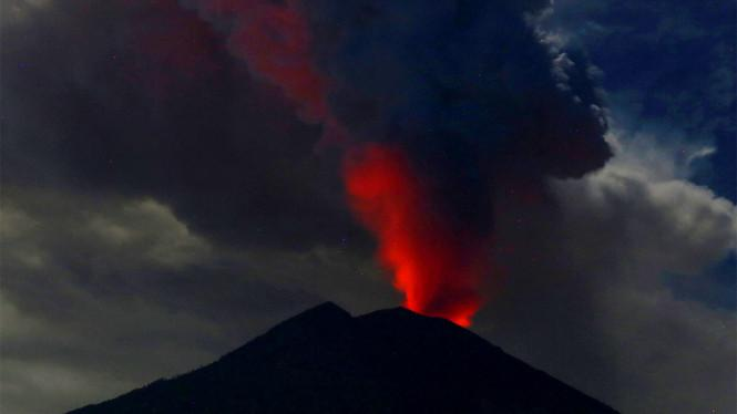Status Masih Siaga, Kepala PVMBG: Belum Akan Terjadi Erupsi Besar di Gunung Agung