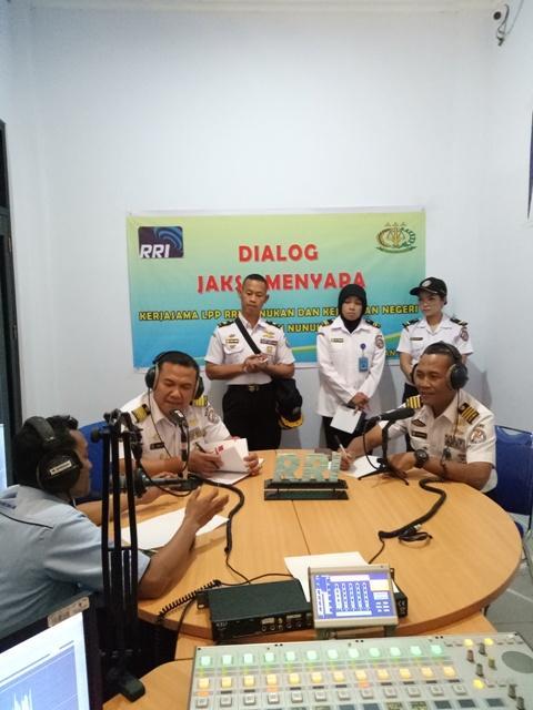 Badan Keamanan Laut Mengudara di Perbatasan RI-Malaysia