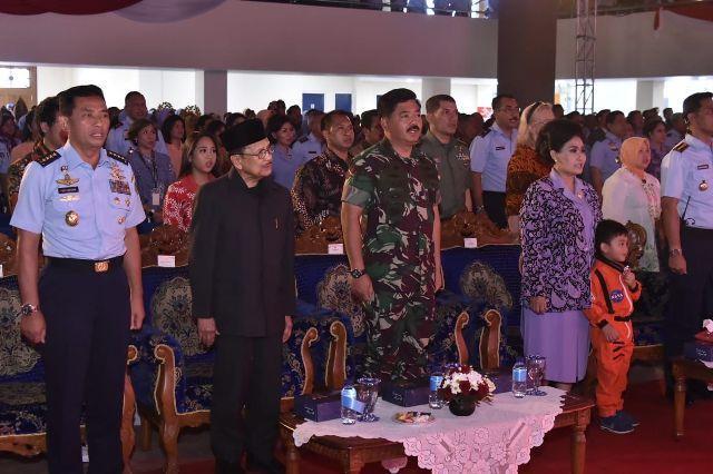 Panglima TNI: Pendidikan Dasar dan Menengah Merupakan Pondasi Dasar Bagi Anak-Anak